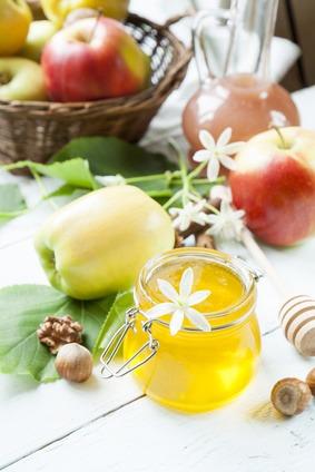 Apples an Honey Rosh Hashanah Jewish Tradition